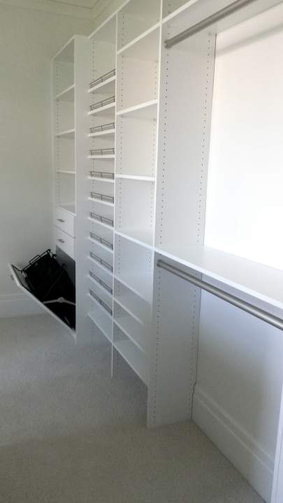 A Closet Enterprise Inc-BD-install-2-white system with nice clean lines